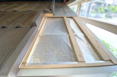 モデルルーム、屋根の下地はウレタン遮熱工法(特許)