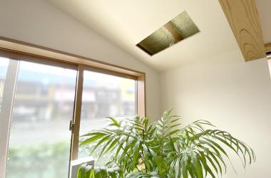 モデルルーム内、天井・窓枠・梁を確認いただけます